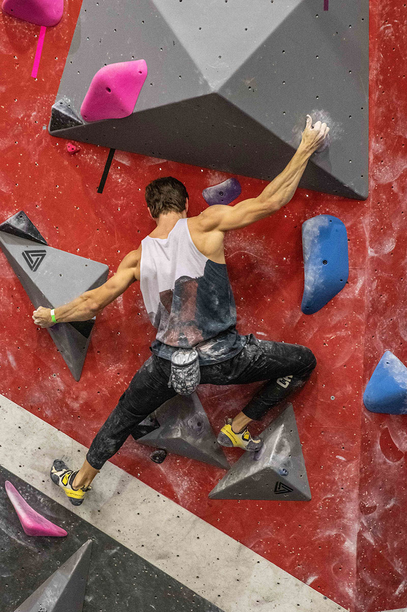 Bouldering center, welcome to families, students and adults - Laval, Boisbriand